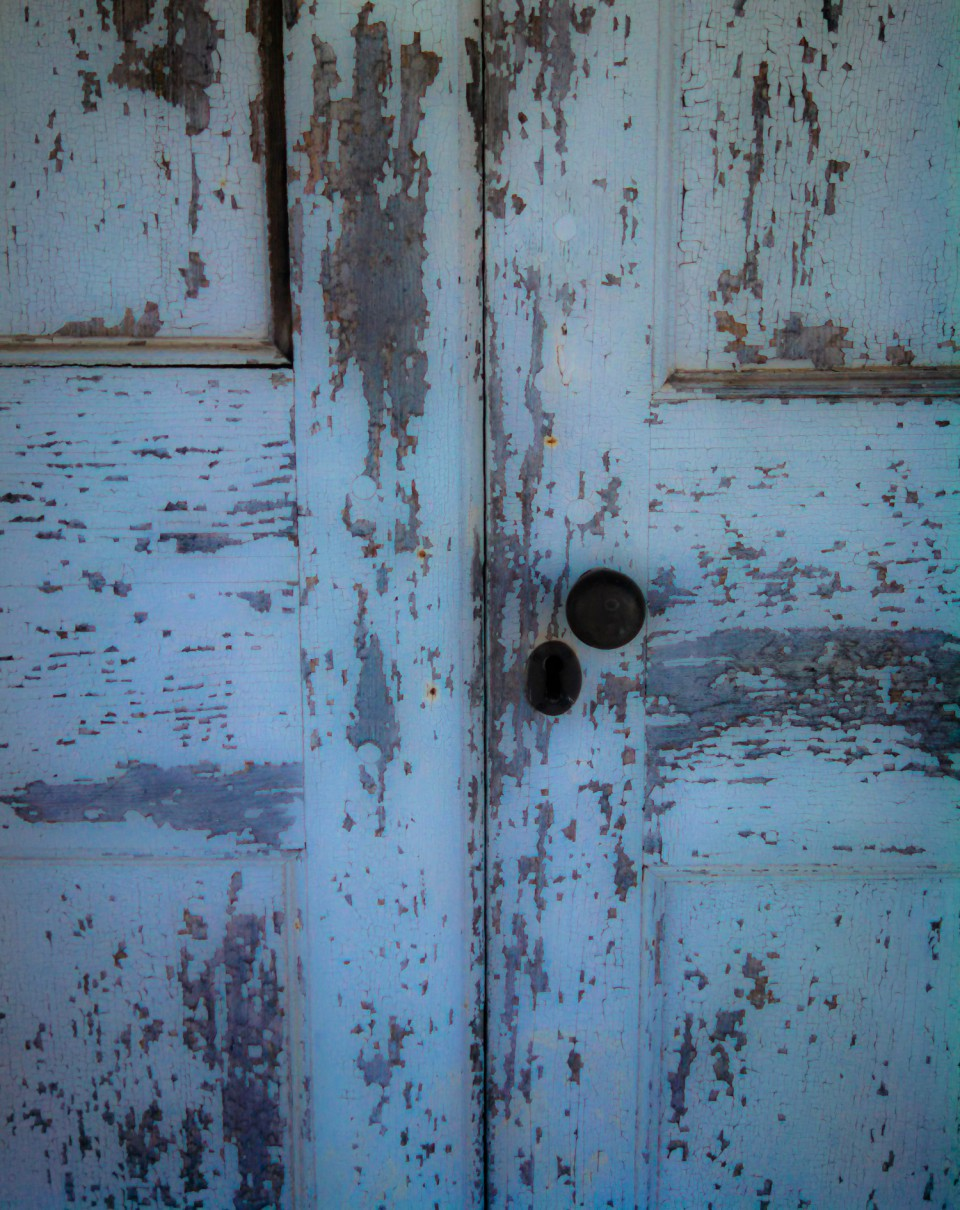 cropped-cropped-door-at-brattonsville-2014.jpg